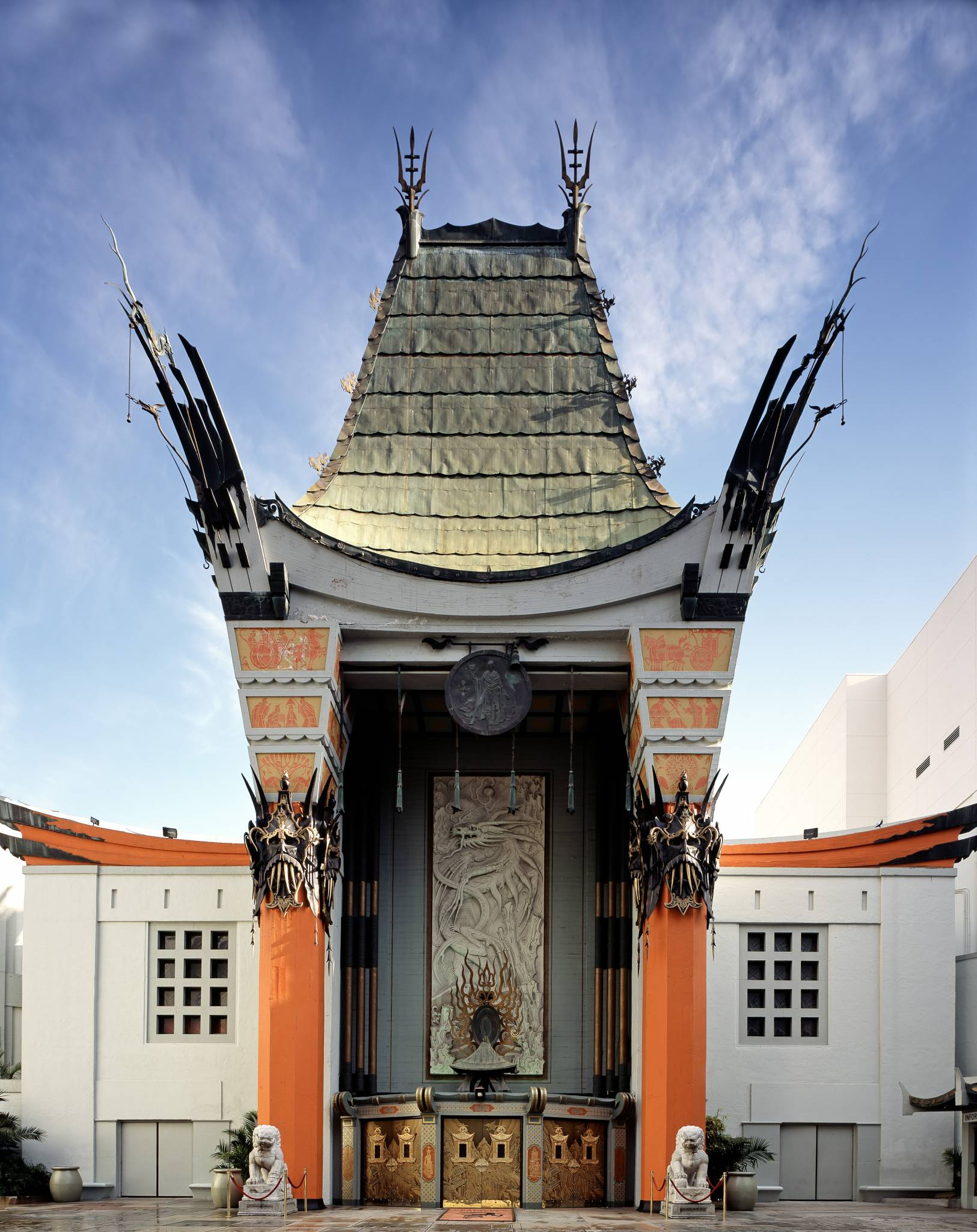 graumans_chinese_theatre_by_carol_highsmith_fixed__straightened