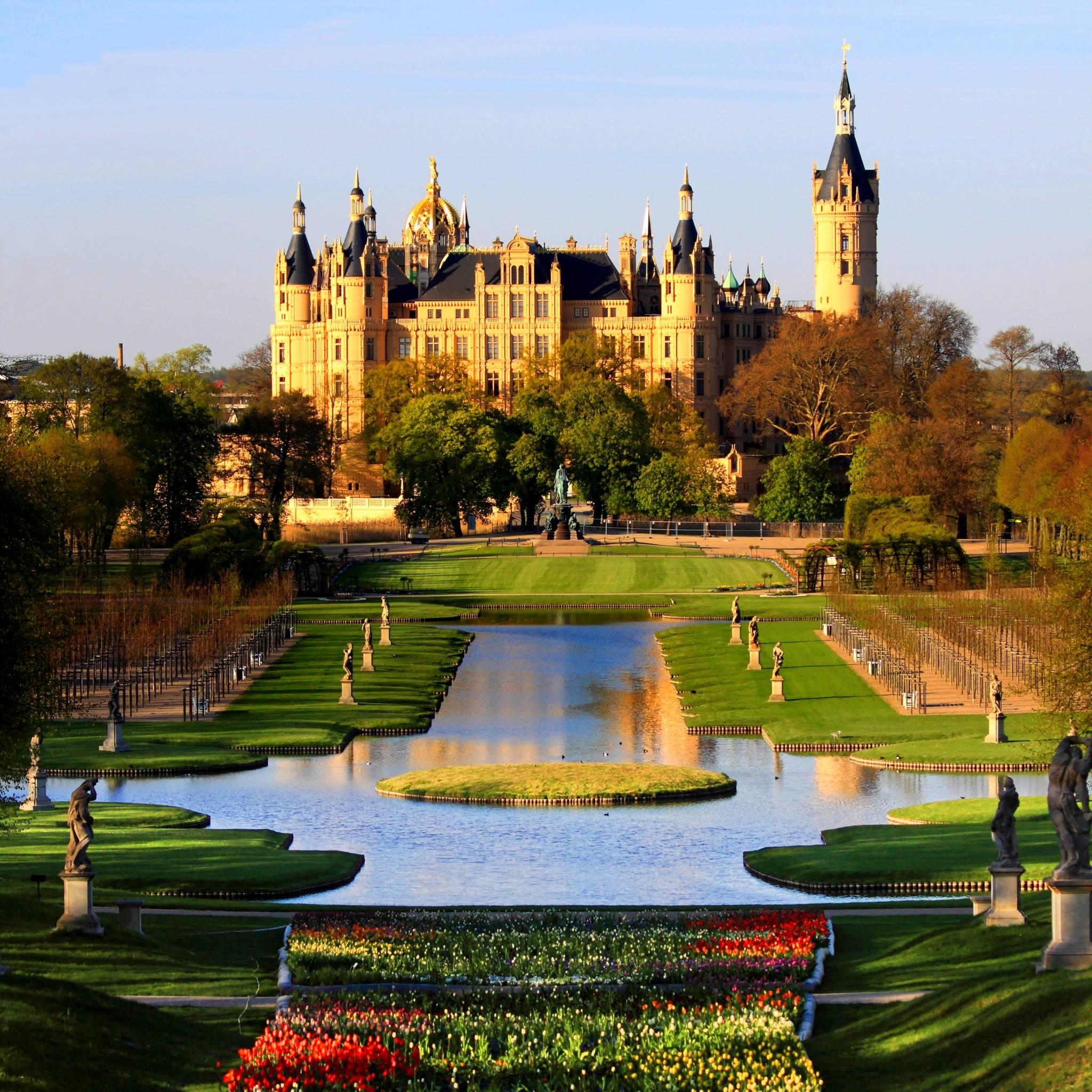 schwerin_palace_park_garden_mecklenburg_germany_schweriner_schloss_garten_buga_2009