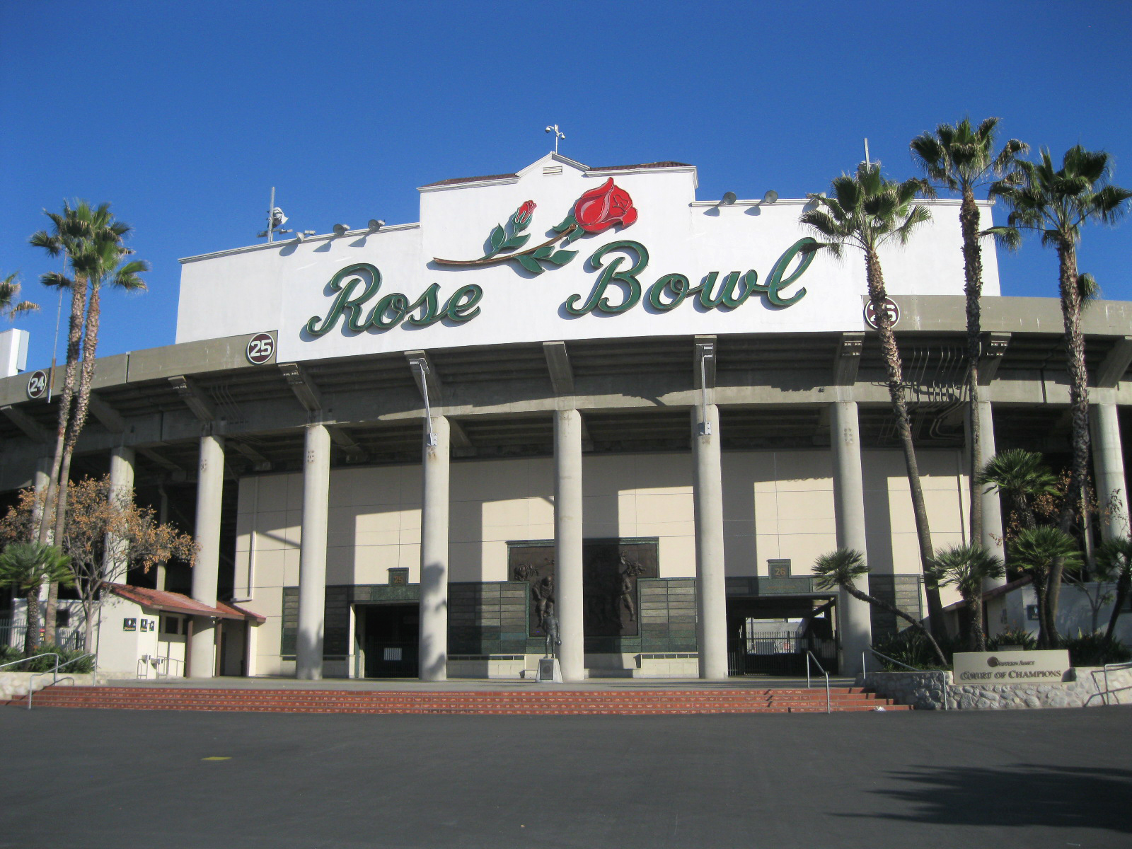 Rose Bowl exterior by D'AIQ Architects