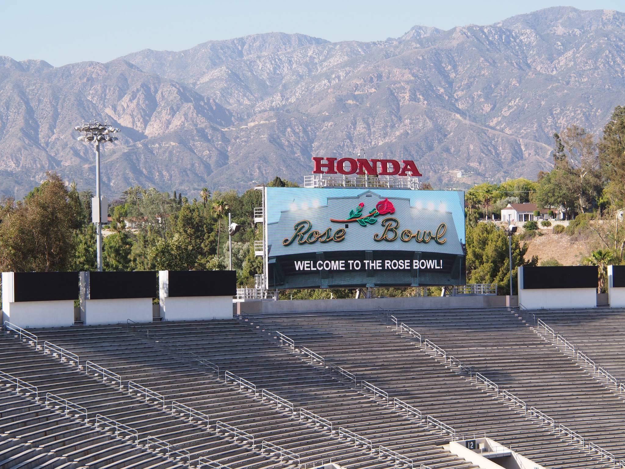 North scoreboard and mountains by D'AIQ Architects